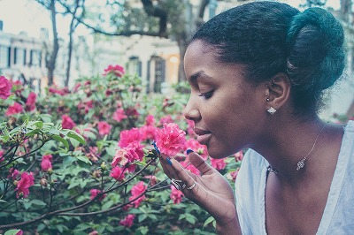 今から憂鬱な花粉症な時期、月と一緒に今からできる対策法とは?