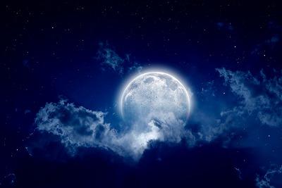 満月の時の100倍!?新月の日に「生み出すエネルギー」をチャージしたいあなたへ