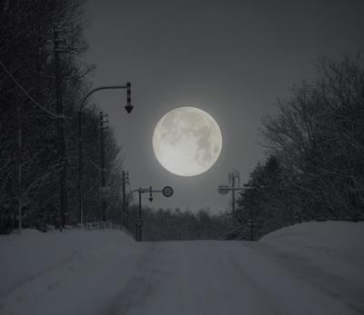 記憶だけじゃもったいない。思い出のお月様を撮影する方法