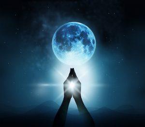 月のホロスコープが表すトライアングルの秘密 ~輪廻転生で繰り返し出会う、自分の分身とソウルメイト~*