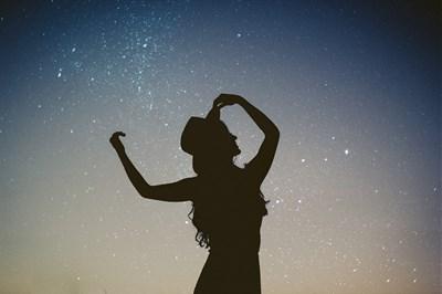 手放すことが最適な下弦の月。明日のかに座下弦の月を迎える前にチェックしたいお勧め記事