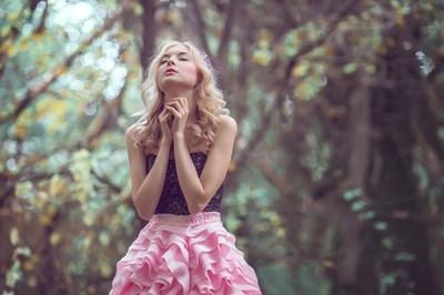 美を邪魔する「○○しすぎる」、「××が足りない」生活習慣に悩むあなた。美と調和の「天秤座新月」があなたの味方に!