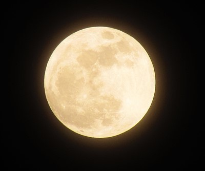 月が教えてくれる「宇宙的な視野」が人生を好転させる!今ある幸せが2倍にも3倍にも膨らむポイントとは?