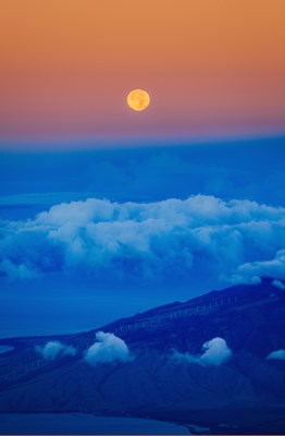双子座満月の夜はヘルメス神の庇護のもとで豊かな言葉を紡ぎましょう