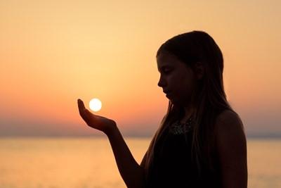 月からのメッセージは、奥深い「あなた」への扉を開くためのきっかけ