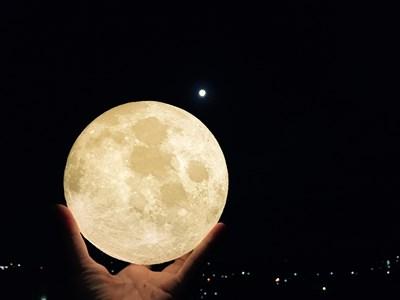 長い休暇で食べ過ぎちゃっても大丈夫。満月がかけていくタームでお勧めの2つの「動き」ポイント