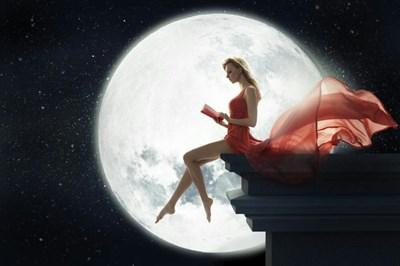 もしかして更年期?うつうつとした気分のあなたへ。更年期だって、月のリズムを知って元気で輝ける!~新月の今日、すぐにできる3つの簡単ケアも~
