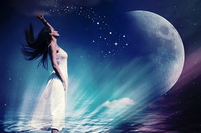 かに座上弦の月から、天秤座満月へ、月のリズムで過ごすポイントは「引き寄せ&自分の体の声をきく」