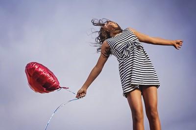 褒められるのが苦手、もっと自分が願う現実を引き寄せたいのに。そんなあなたはしし座上弦の月の本日がチャンスです!