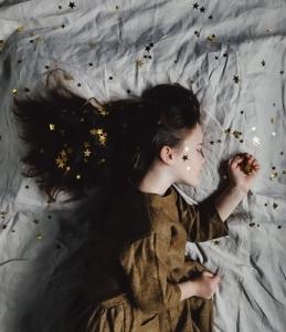 残暑、満月…安眠を阻止するものから助けてくれるアロマセラピーは
