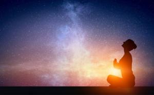 しし座新月の日食パワーで「今日は私が主役!」  姿勢と呼吸を整えて、ちょっと特別な一日を。