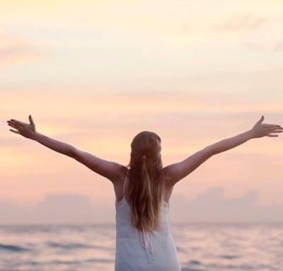 新月前までの欠けていく月の輝き。「手放す」をテーマに身体から住環境までたった2つの2つのポイントでスッキリデトックス!!