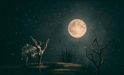 今年最初のしし座満月は、あなたらしく振る舞うことを応援してくれる!感謝と自信であなたはもっと光輝く