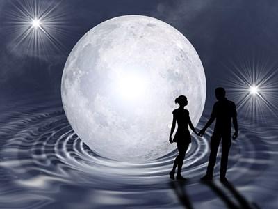 スーパームーンまで待てない!月のエネルギーを活用して自分を大切にする3つの方法