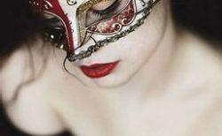 ミステリアスな女性を演出する蠍座の'美習慣'〜魅惑の女になるための3つの掟~
