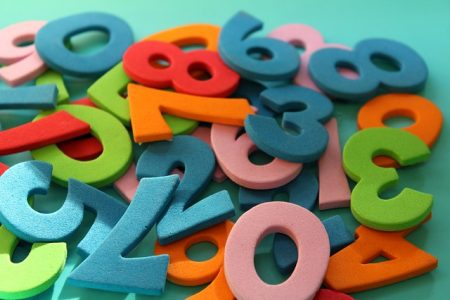 暦が重なる8月に、月と数字のパワーを感じてみる