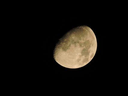 あなたの目に有休ありますか? 月とカラダとココロの関係 満月(+)期編